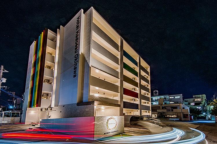 ホテル外観 夜のイメージ 沖縄浦添市